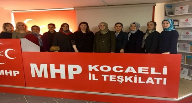 Ak Kadınlar MHP ve BBPyi Ziyaret Etti
