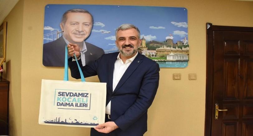 AK Parti'den 250 Bin Çevreci Çanta