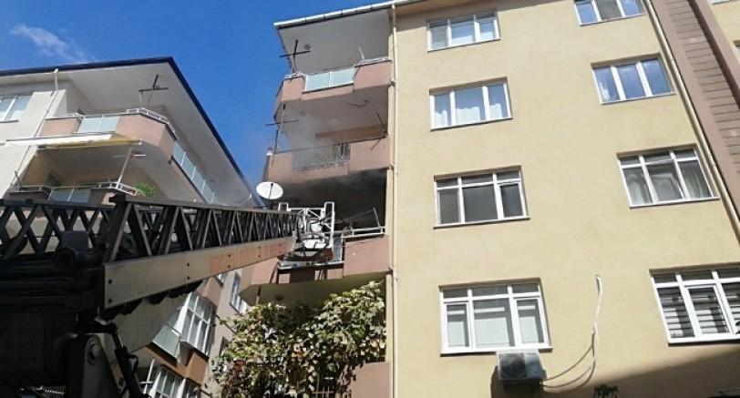 Beş Katlı Binada Yangın Çıktı