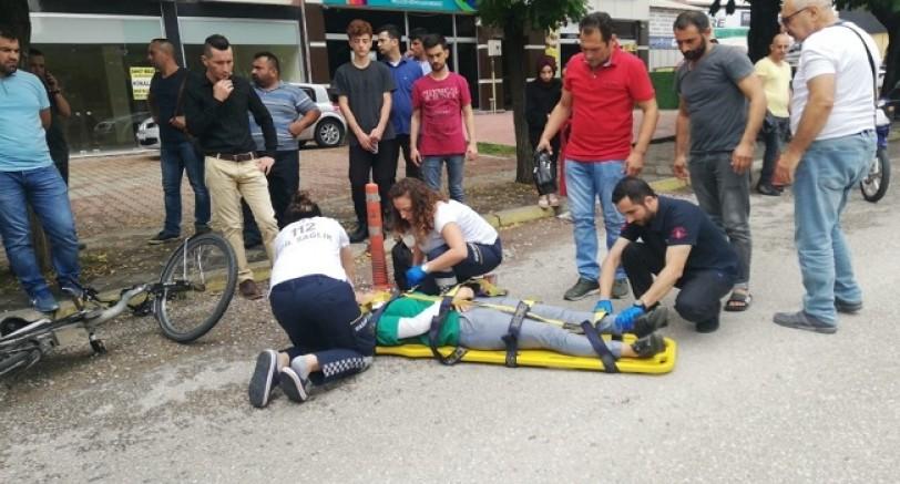Bisikletin Çarptığı Genç Kız Yaralandı