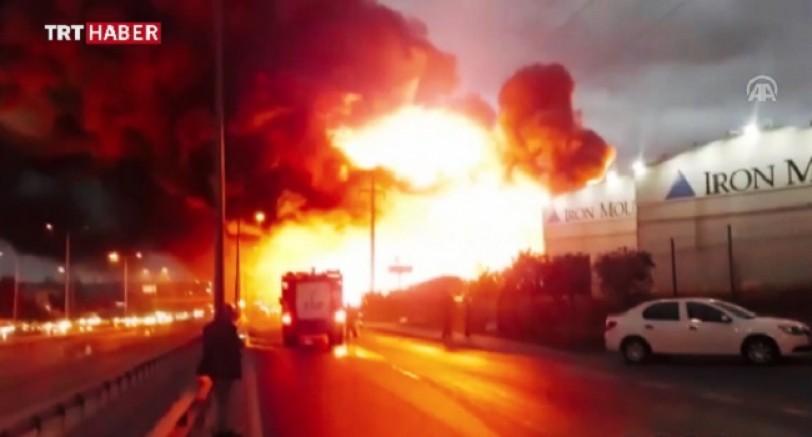 Büyük Yangın D-100 Trafiğe Kapatıldı