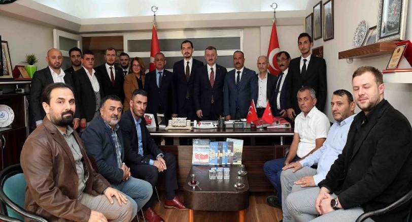 Büyükakın'dan MHP'ye Ziyaret