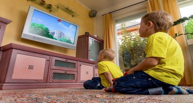 Çocuklarınıza Uzun Süre Tv İzlettirmeyin