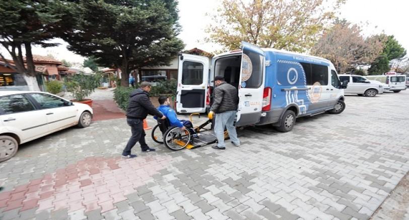 Engelsiz Taksi İle Hizmete Devam