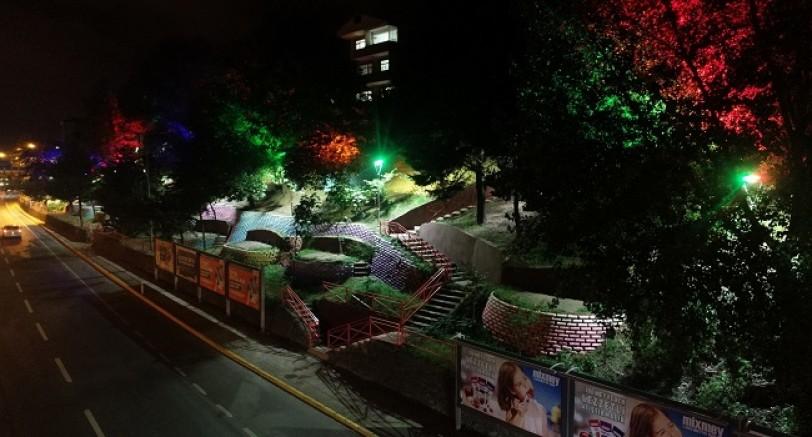 Gölcük'te Işıl Işıl Parklar