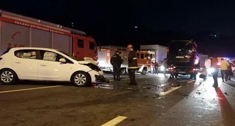 İki Araç Kafa Kafaya Çarpıştı 4 Yaralı
