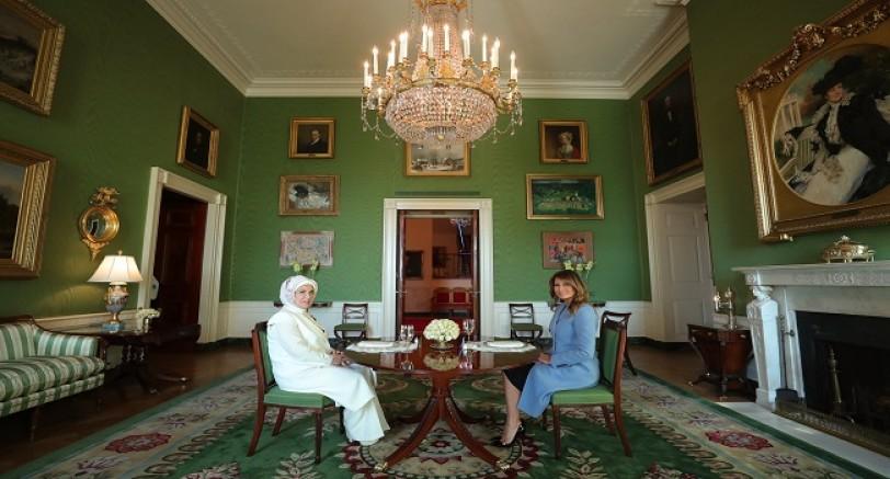 İki First Lady Beyaz Saray'da Bir Araya Geldi