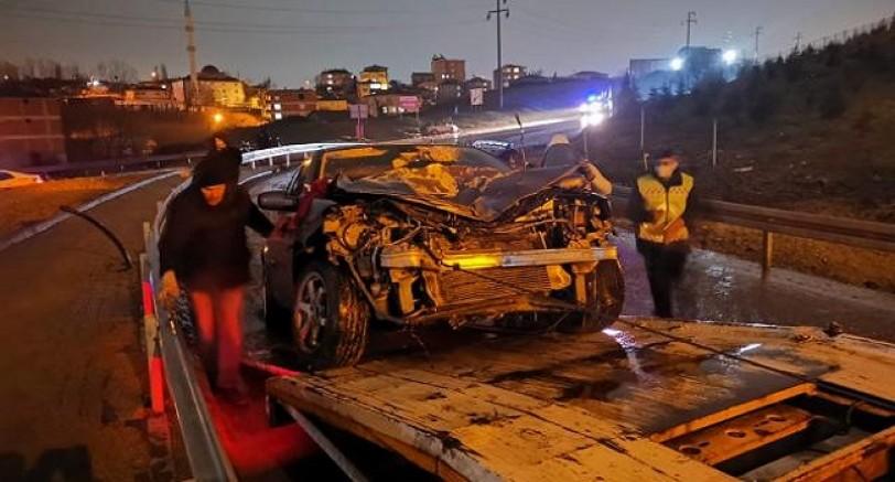 İki Otomobil Çarpıştı 2 Yaralı