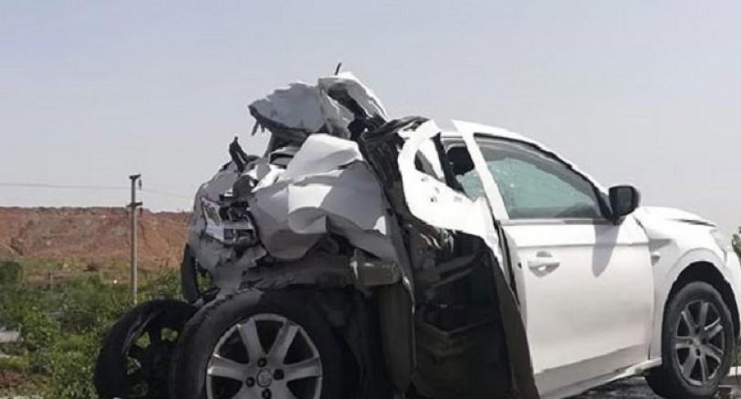 İran Plakalı TIR, Otomobili Parçaladı! 2 Yaralı