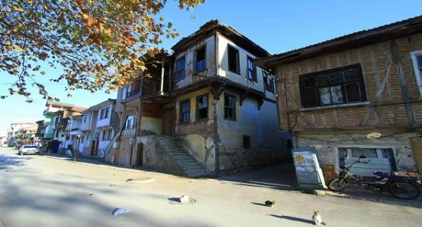 Karamürsel'de Tarihi Yapılar Restore Ediliyor