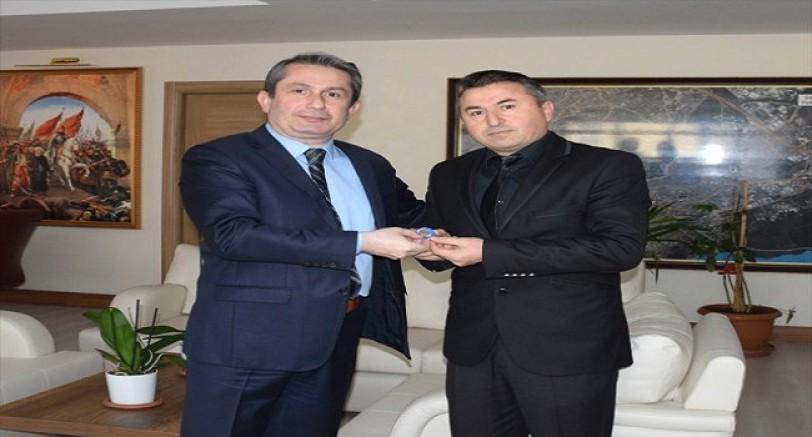 Kocaeli'de Başarılı Polisler Altınla Ödüllendirildi