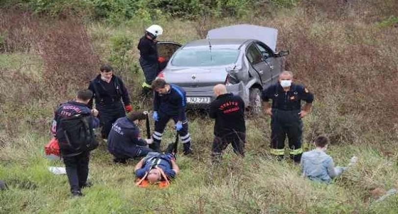 Otomobil 10 Mt Yüksekten Uçuruma Düştü