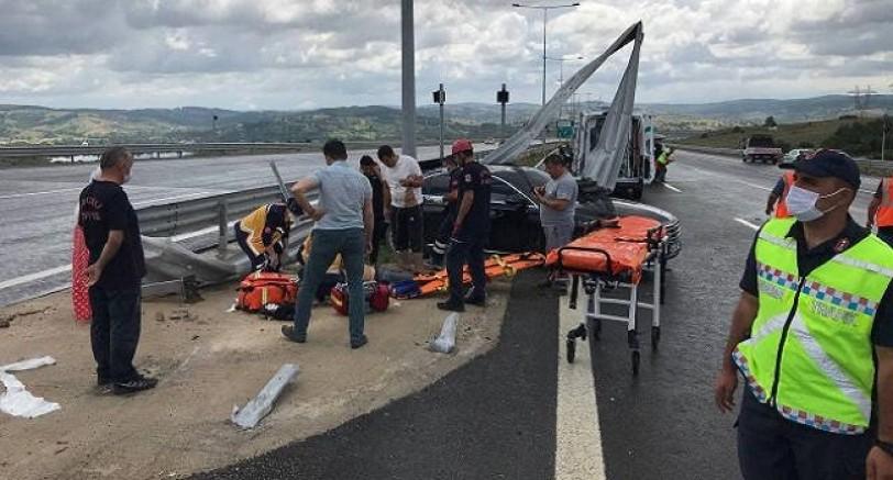 Otoyol'da Feci Kaza 1 Ölü, 3'ü Çocuk 4 Yaralı