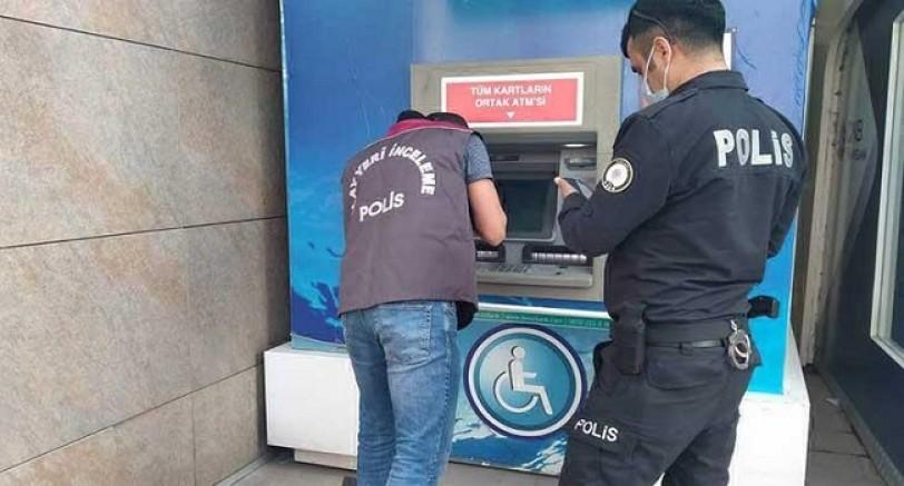 Para Çekemeyince ATM'yi Kırdı