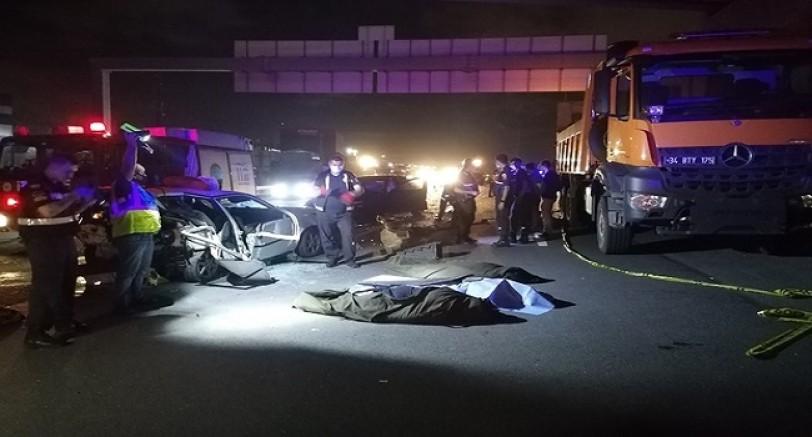 TEM'de Feci Kaza 3 Ölü 4 Yaralı