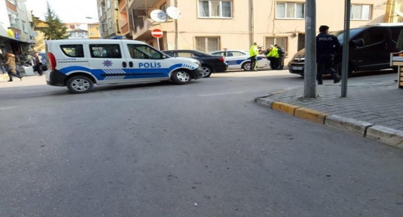 Ters Yola Girdi Polise Çarptı