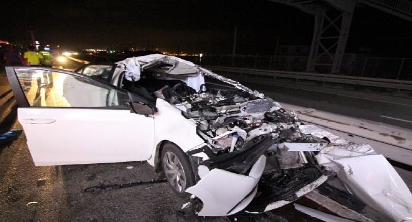 Tır'ın Altına Giren Otomobildeki Çift Ağır Yaralandı