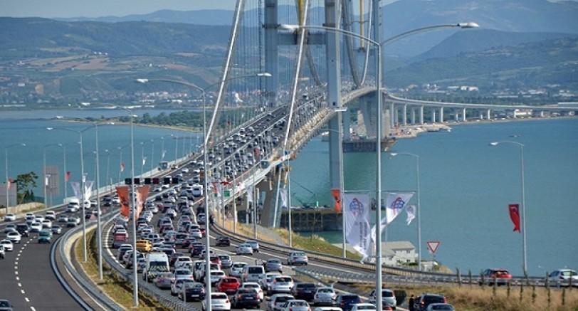 Tüm Otoyol Köprüler Ve Toplu Taşıma Ücretsiz