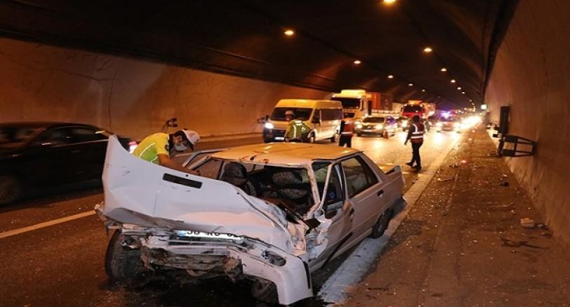 Tünelde Zincirleme Kaza 1 Yaralı