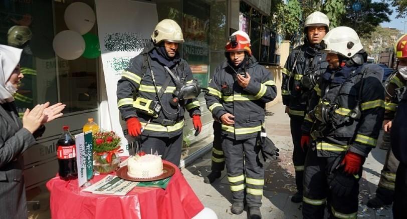 Yangın İhbarına Çıktılar Pastayla Karşılandılar