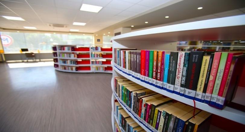 Yirmi Bin Kitap Bu Kütüphanede