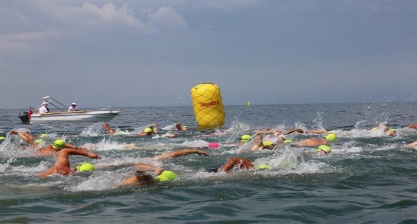 Yüzme Şampiyonasına Büyük İlgi