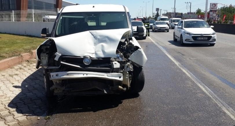Zincirleme Trafik Kazası 3 Yaralı